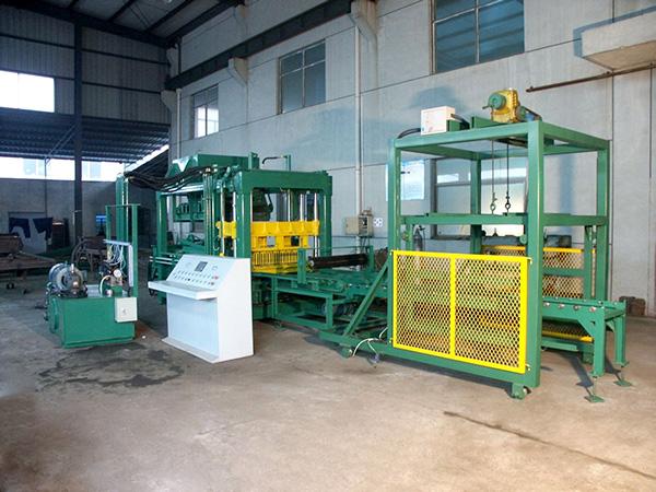 QT12-15 concrete block machine