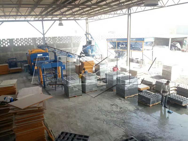 Application of automatic concrete block making machine