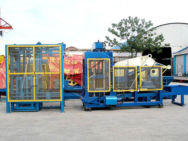 QT10-15 concrete block making machine