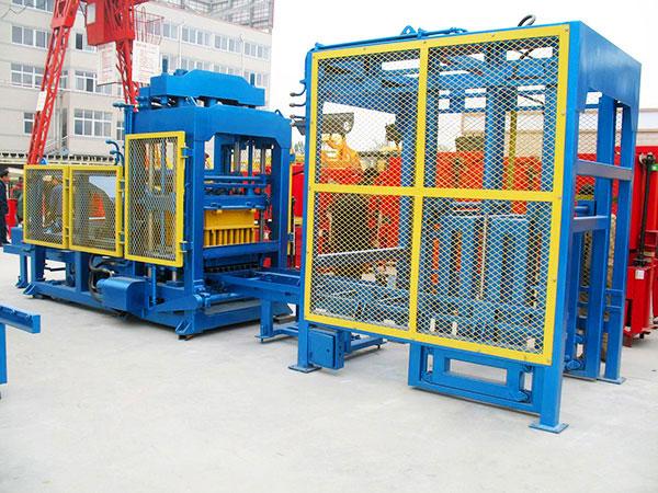 QT10-15 hydraulic brick machine