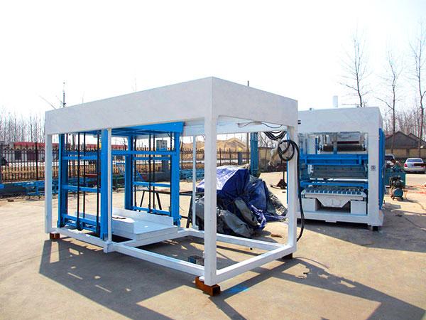 Машина для изготовления бетонных блоков ABM-12S была отправлена в Доминику.