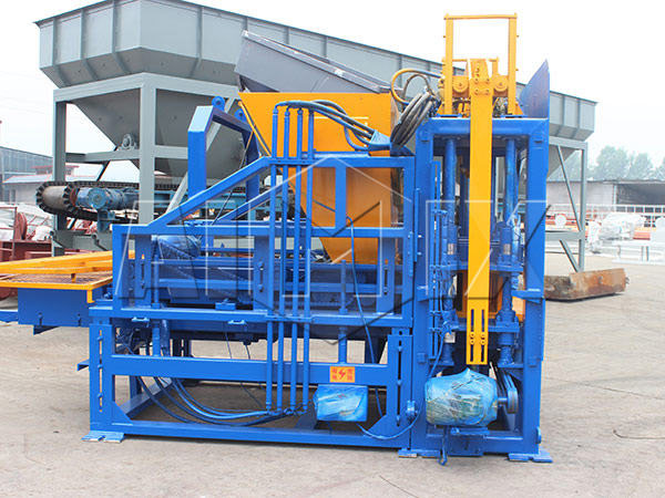 QT3-15 cement brick making machine