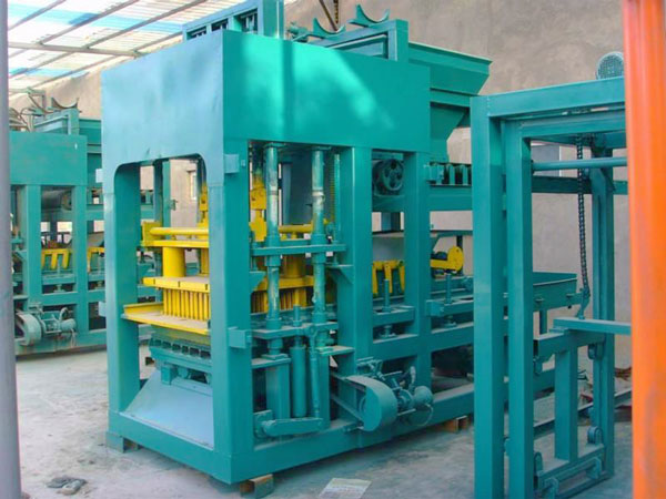 QT3-15 cement brick making machine