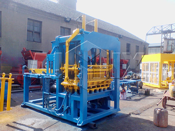 QT4-15 brick manufacturing machine