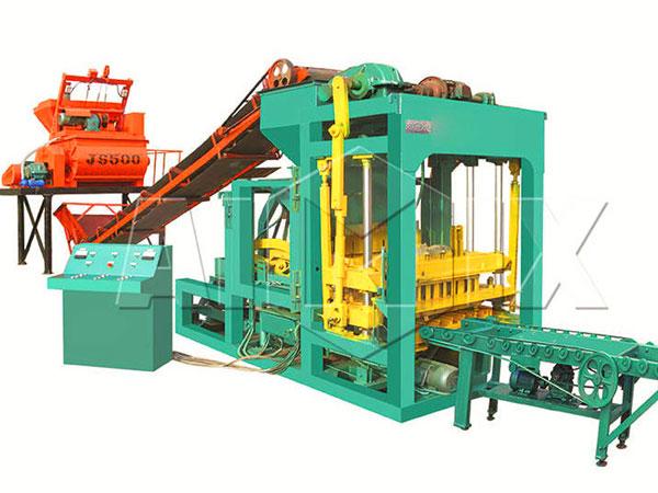 QT4-25 automatic hollow block machine