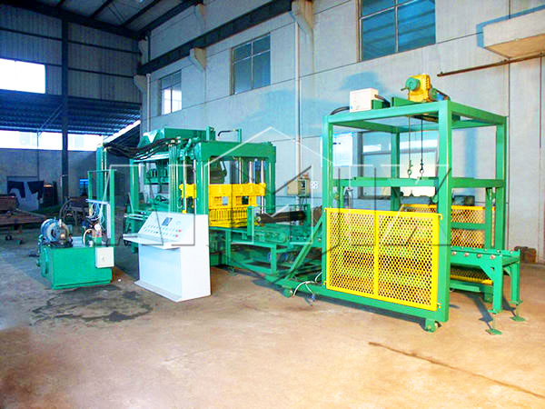 QT6-15 hollow bricks machine