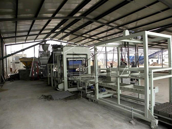 QT8-15 sand brick making machine