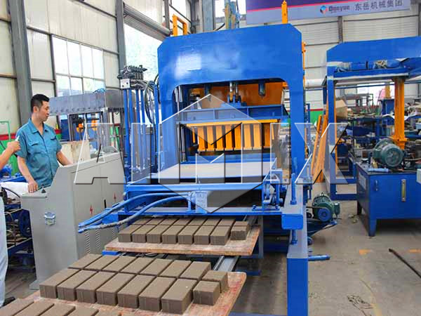 solid block machine making bricks