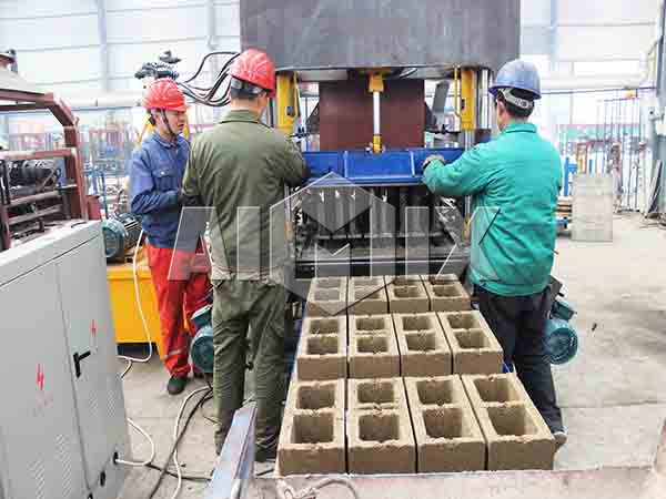 hollow cement brick making machine