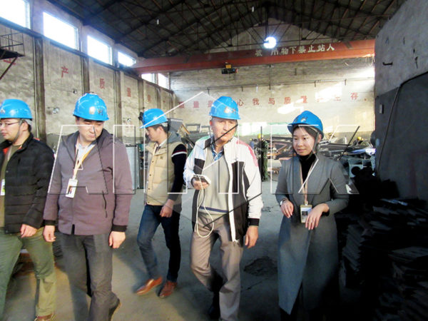 Client from Bolivia visiting our factory