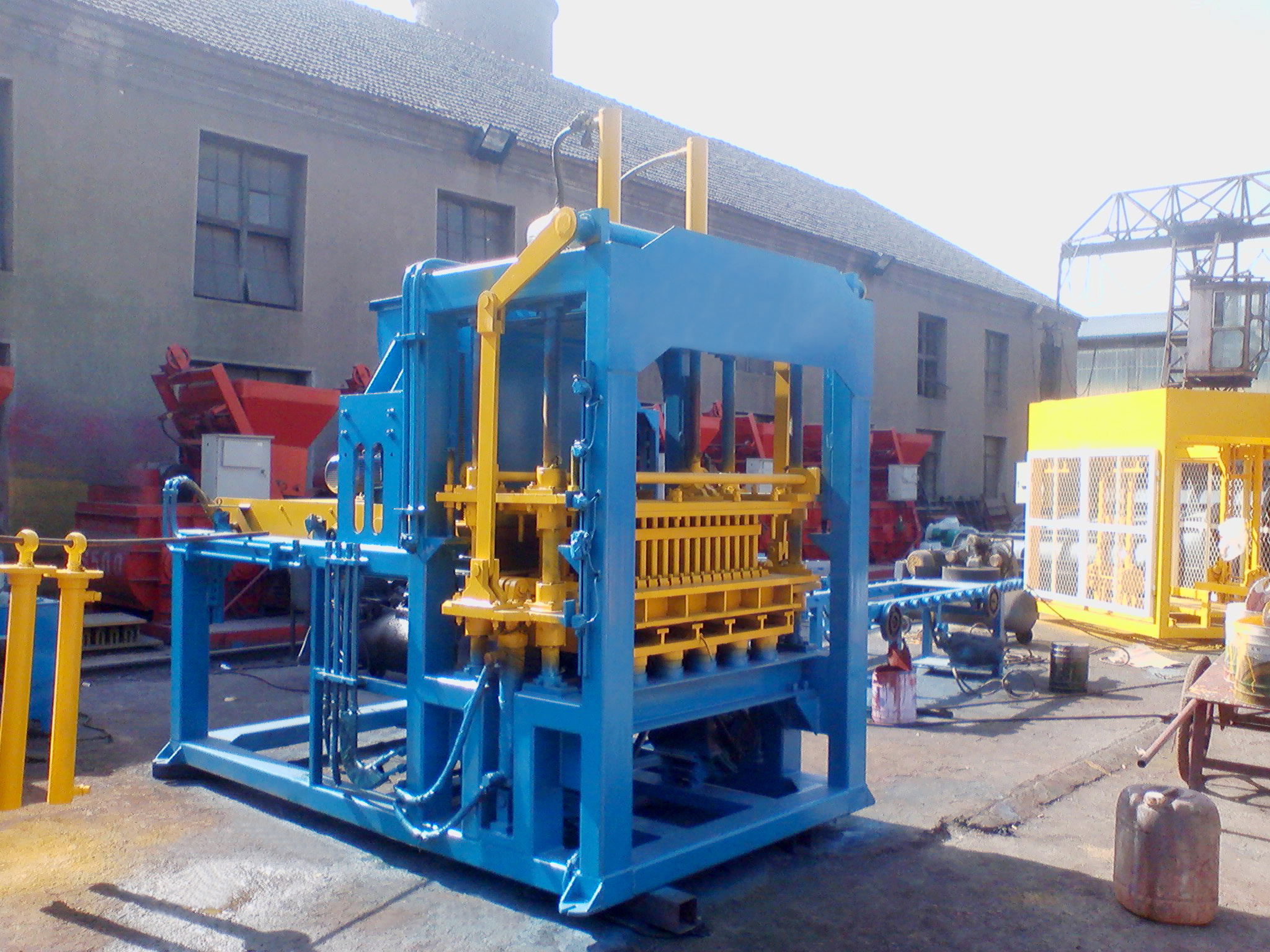 QT4-25 ecological brick machine