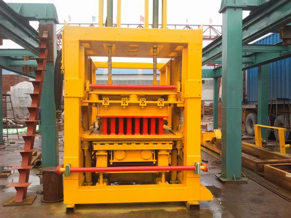 QT10-15 hollow bricks machine to Philippines