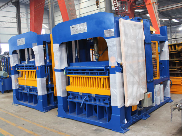 QT10-15 interlocking brick machine