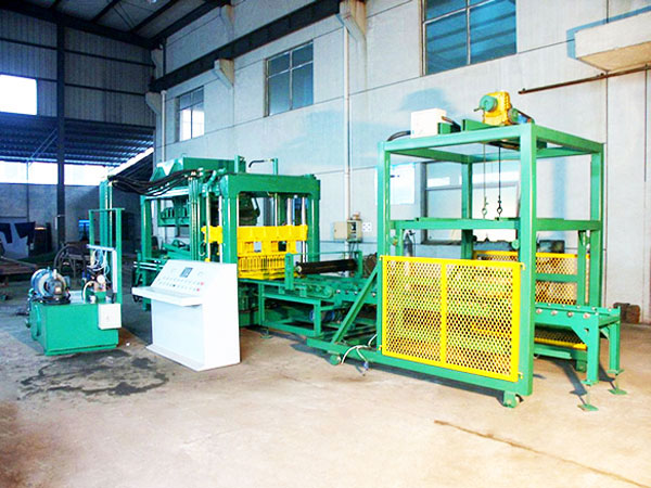 QT6-15 interlocking block machines in thailand