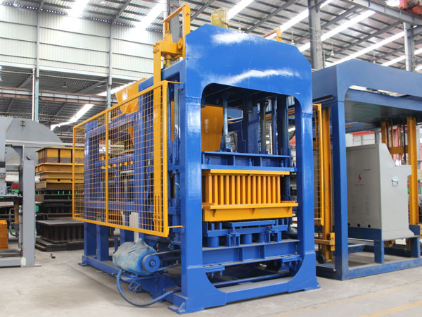 QT6-15 interlocking brick making machine