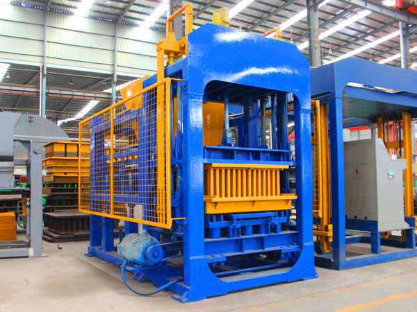 QT8-15 cement block making machine