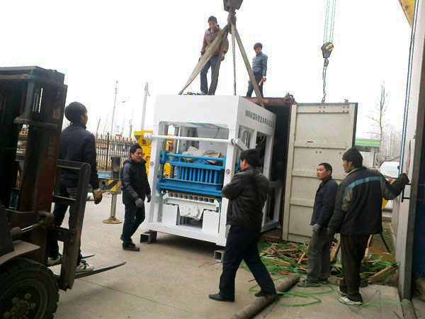QT10-15 shipment of block machine Tanzania
