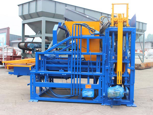 QT3-15 concrete block machine