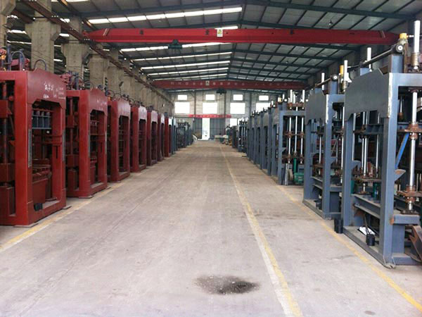 large scale brick machine factory
