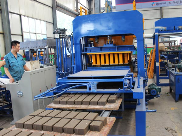 ABM-4S automatic concrete brick machine