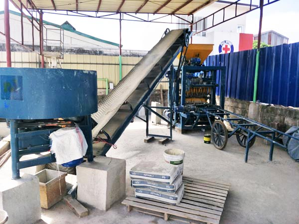 ABM-4SE automatic concrete brick machine