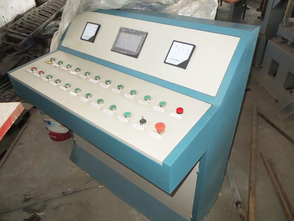 PLC control system of concrete brick machine