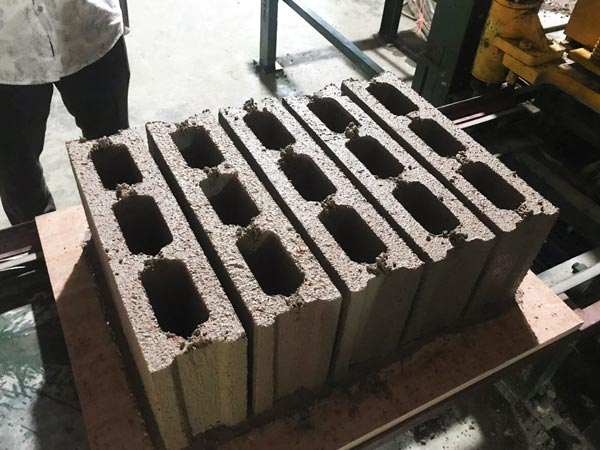 finished concrete hollow blocks