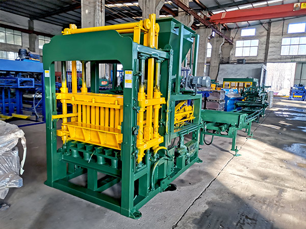 ABM-4S automatic concrete block machine