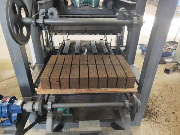 test run of cement brick machine