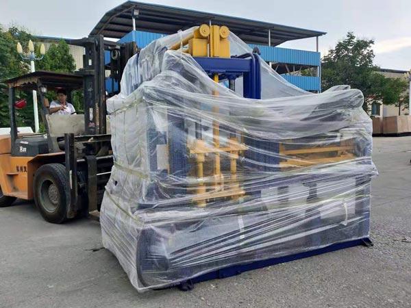 ABM-4S concrete hollow brick-making machine to Philippines