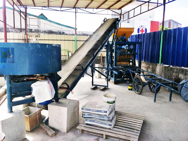 ABM-4SE hollow block making machine