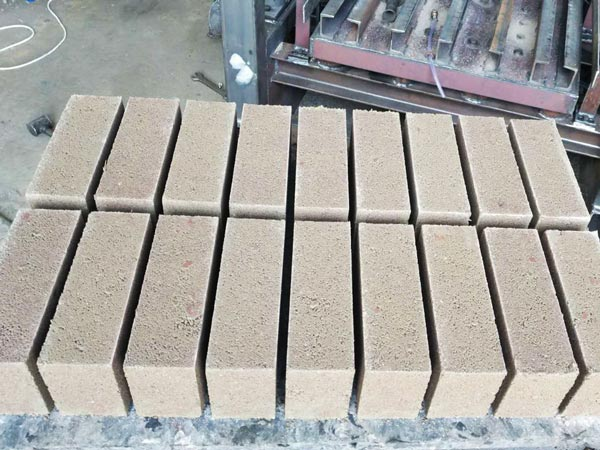concrete blocks produced by ABM-4SE small brick machine