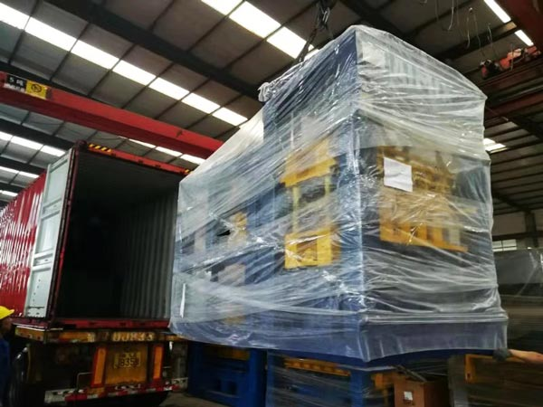 shipment of ABM-4SE semi automatic hollow block machine
