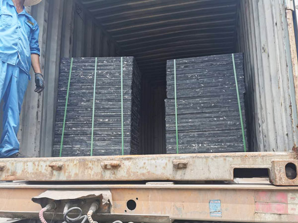 pallets for block machine