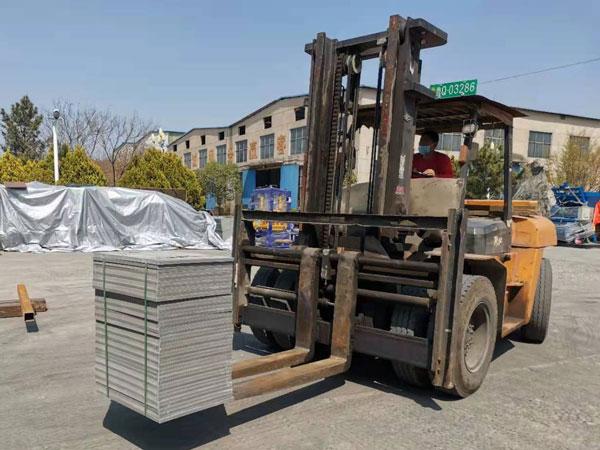 pallets of concrete hollow block machine